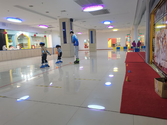 轮滑体育中心(米高体育轮滑中心)