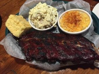 MoMo's BBQ and Grill