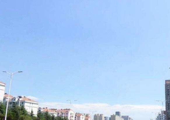 青银高速路口;南侧石老人国家度假风景区,青岛国际会展中心,丽达购物