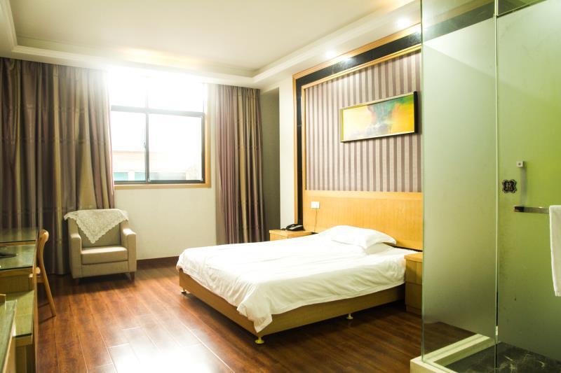 鑫隆大酒店(客房部)预订/团购