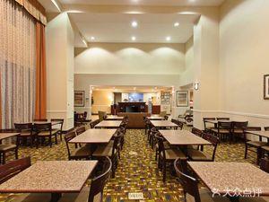 二十九棕櫚村智選假日套房酒店
