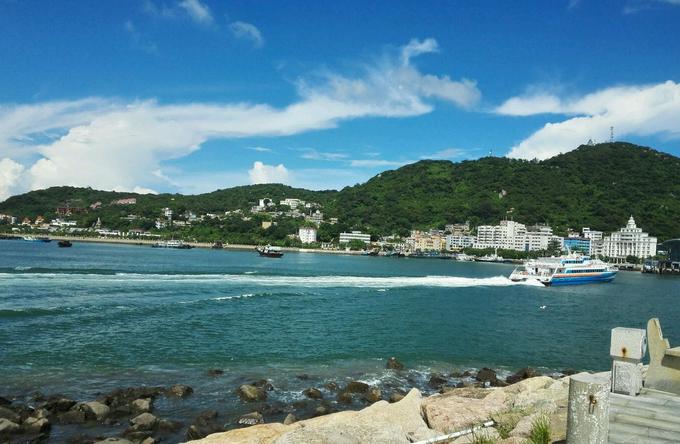 实惠风景好    分店相关评论 汉月: 从珠海市区前往桂山岛