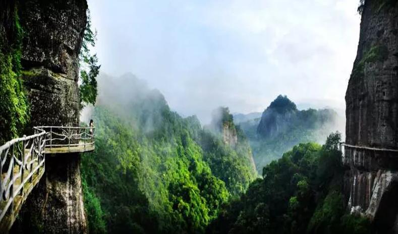 平远富港国际大酒店 五指石风景区