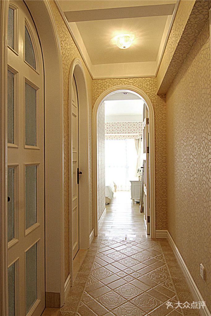 5-10万140平米三室两厅欧式风格走廊欣赏图