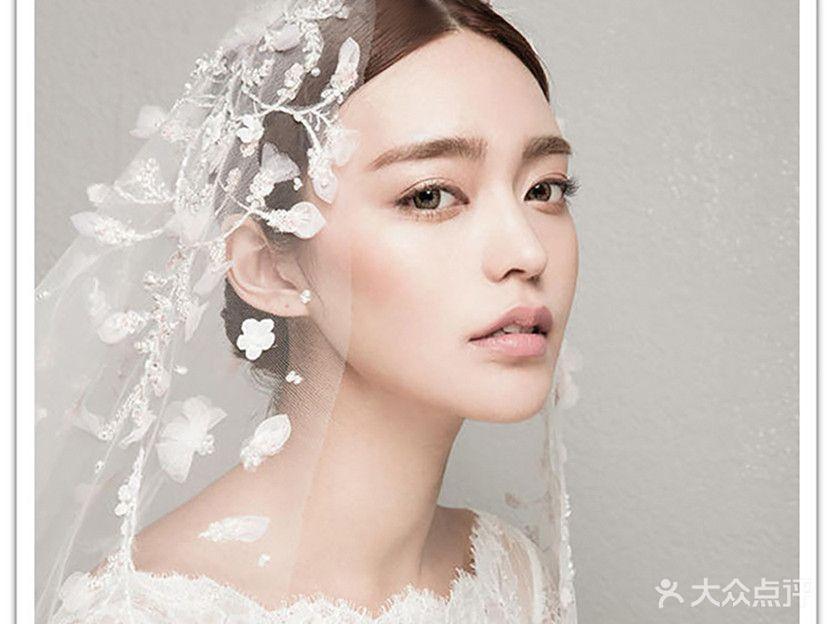 LING studio婚纱礼服彩妆造型馆的图片
