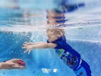 欧乐亲子游泳俱乐部