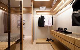 10-15万140平米三室两厅现代简约风格衣帽间图片