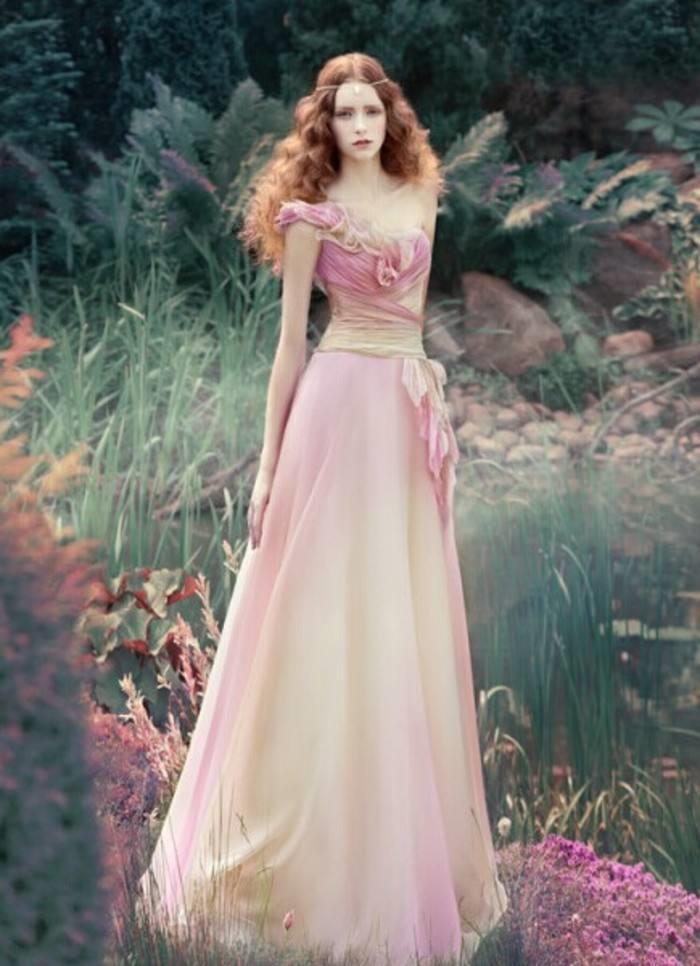 婚纱是每个女孩子最喜爱的礼服