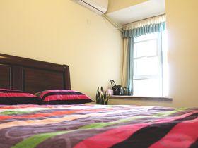 80平米美式风格卧室装修效果图