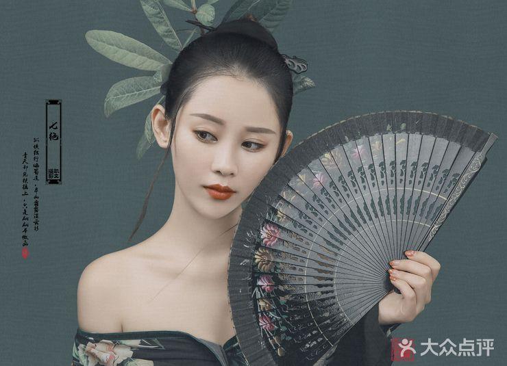 个性写真 凯文古风摄影  拍摄人数(人): 1 服装造型(套/人): 3 化妆