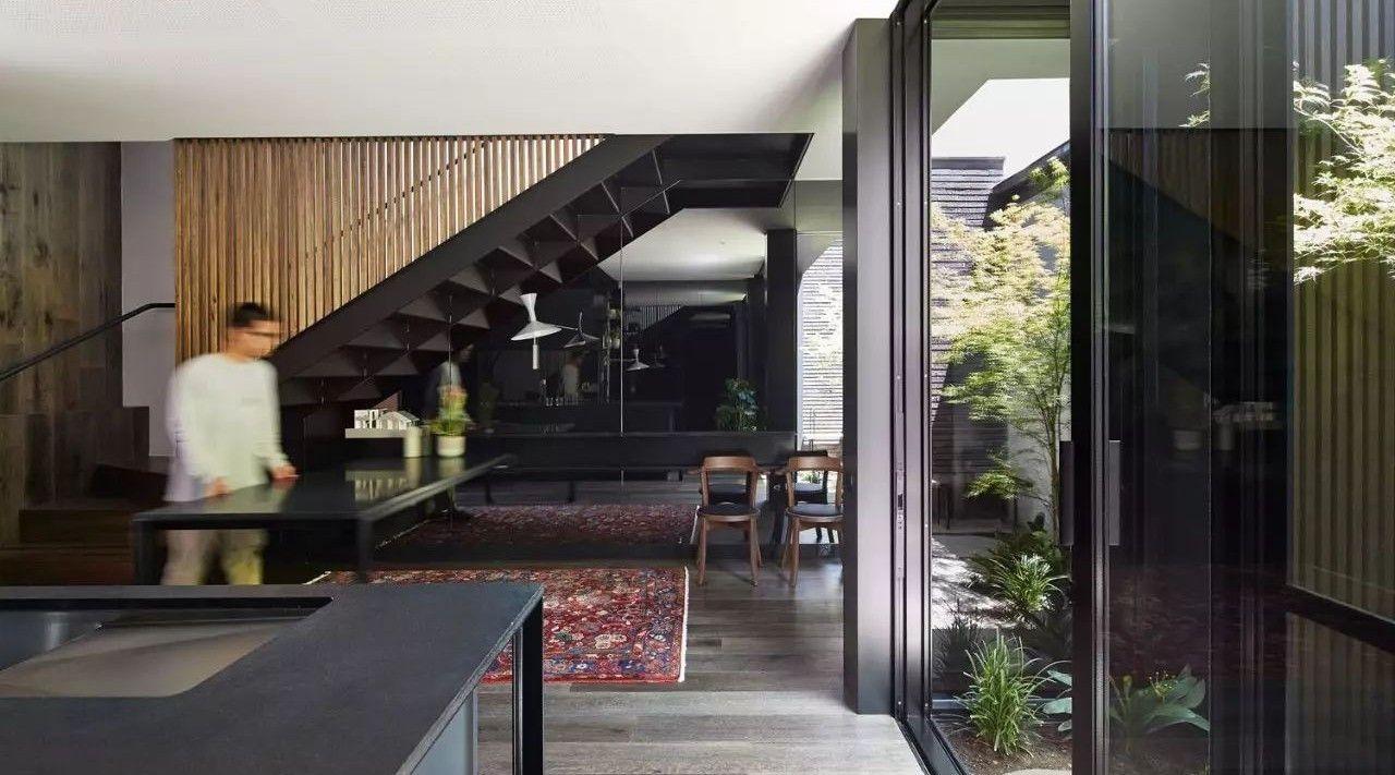 """墨尔本:将维多利亚式建筑,改为有趣且个性的黑色""""盒子"""""""