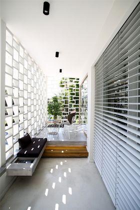 120平米三室两厅现代简约风格阳光房装修效果图