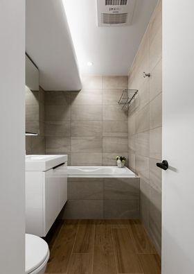 130平米四室一厅现代简约风格卫生间图