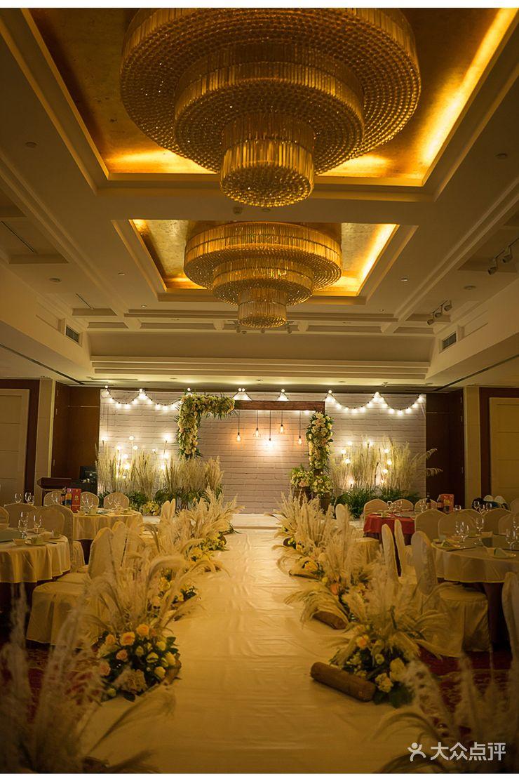 科华北路 婚庆公司 婚礼策划 蜜糖婚礼  布置 迎宾区:迎宾背景 仪式区