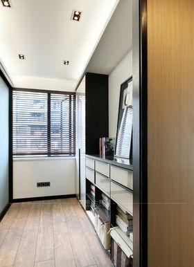 120平米三室一廳現代簡約風格衣帽間裝修圖片大全