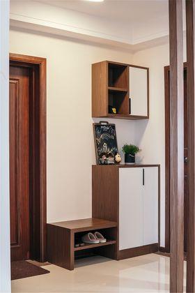 90平米三室一厅现代简约风格走廊装修案例