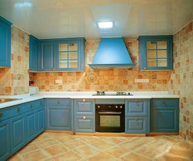 10-15万110平米三室一厅地中海风格厨房图片