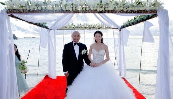 张雨绮王全安马尔代夫补办婚礼 中西合璧古典浪漫