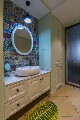 富裕型100平米三室一厅现代简约风格卫生间图片大全