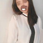 注射玻尿酸除皱使用部位非常广泛,玻尿酸的作用主要用途是去皱和凹陷的暂时充填。如:颜面皮肤的除皱、保湿、五官的整形、凹陷暂时充填等。其常用的部位是额头、眼角、眉间、唇部、鼻唇沟,配合其他药物使用效果更佳。玻尿酸是安全的人体组织成分,非动物来源,具有生物可降解性的纯净透明质酸溶液,见效快。玻尿酸的作用主要是玻尿酸隆鼻、玻尿酸除皱、玻尿酸丰面颊、玻尿酸丰唇、玻尿酸保湿。玻尿酸丰唇的效果是很好的,通常很多求美者的上下唇部都不和谐,上唇大了下唇小了的情况都很多,这时候就可以通过注射玻尿酸到下唇来进行改善整体的美观,可以起到很好的丰唇效果。