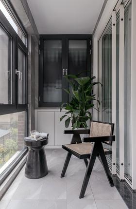 130平米四现代简约风格阳光房装修案例