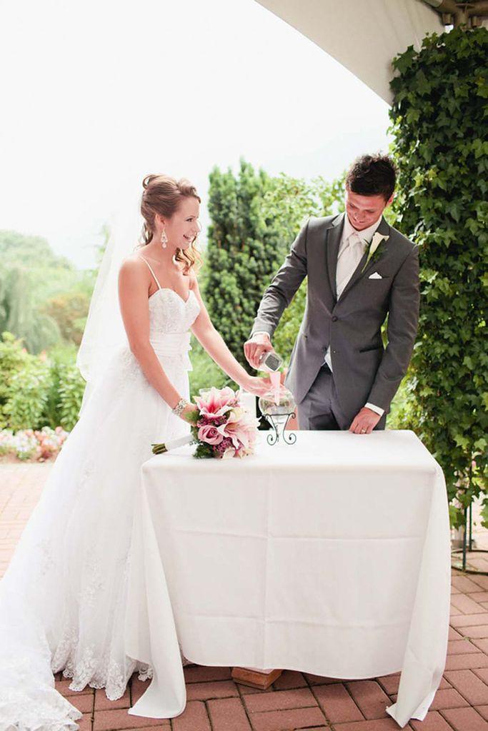 浪漫的粉色系花园婚礼