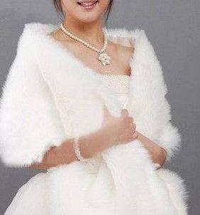 婚纱礼服不同的披肩系法