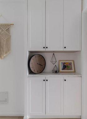 100平米三室一厅现代简约风格玄关图片