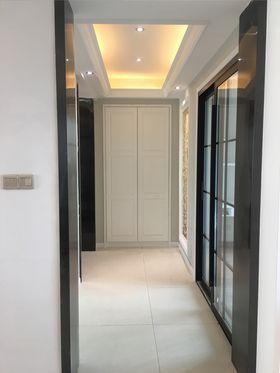 15-20万120平米三室一厅现代简约风格走廊图片大全