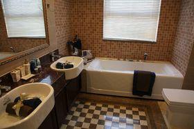富裕型110平米三室两厅欧式风格卫生间图片大全