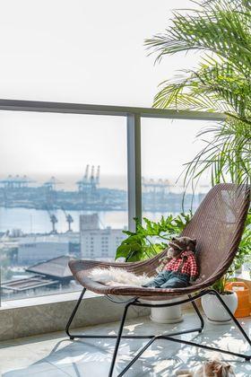 豪华型80平米现代简约风格阳台设计图