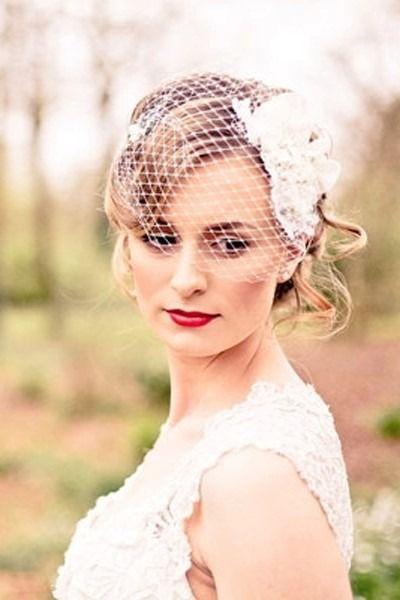 新娘彩妆造型的注意事项 做最闪亮的新娘