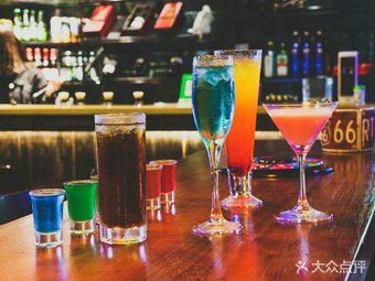 MeetBar音乐台球酒吧