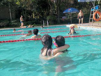 翡翠国际游泳池