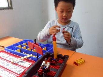 醴陵好小子机器人教育
