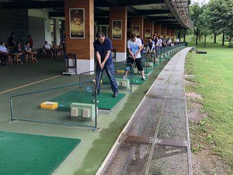 湖泉高尔夫练习场