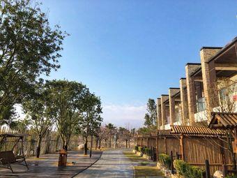 水玲珑湖畔度假酒店