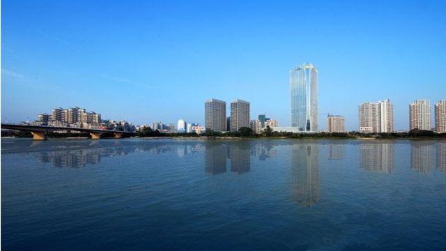 惠州西湖风景名胜区地处广东省东南部惠州市惠城中心区,由西湖景区和