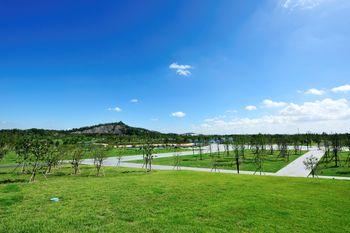 【上海等】上海学苑宾馆1晚+双人上海辰山植物园门票+双早-美团
