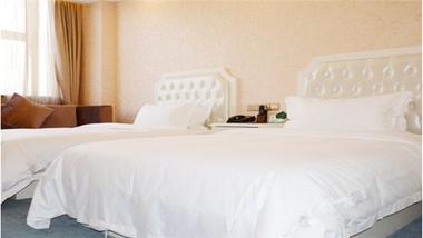 【上海等】上海浦东华美达安可酒店2晚+双早+双人上海迪士尼乐园(一日)门票-美团