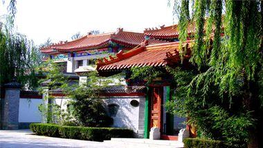 【北京等】龙脉温泉度假村+24小时私汤温泉,方便你多次泡汤-美团