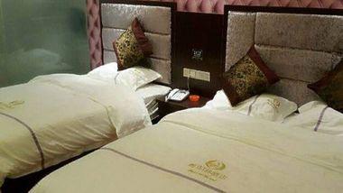 【红河等】弥勒市都市188酒店1晚+双人白龙洞等多景点可选-美团