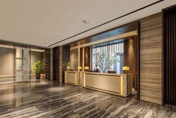 【上海等】上海国际旅游度假区万怡酒店1晚+双人/1大1小/2大1小/2大2小上海迪斯尼1日门票+双早-美团