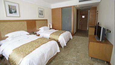 【黄山等】黄山温泉度假酒店1晚+双人温泉票+双早-美团