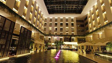 【北京等】北京朗丽兹西山花园酒店1晚+2大1小自助早餐+2大1小西山温泉票-美团