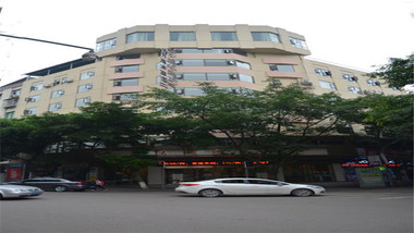 【宜宾等】长宁竹海大酒店1晚+双早+双人蜀南竹海或兴文石海景点可选+交通票2套-美团