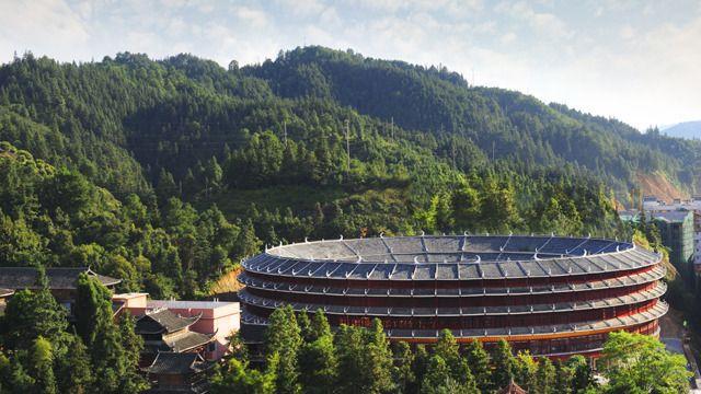 风雨桥国际大酒店 1 晚+程阳桥风景区等多景点门票+双人侗乡鸟巢