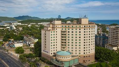 【三亚等】三亚海天大酒店2晚+双早+双人南山+天涯一日游-美团