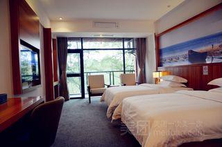 八方松湖酒店