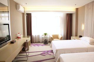 万中泊林酒店